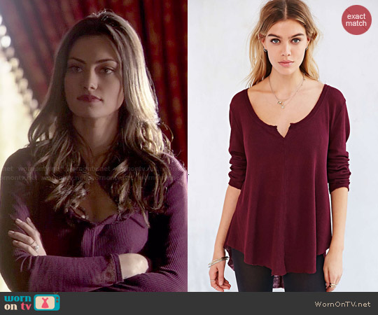 Ecote Marley Thermal in Maroon worn by Phoebe Tonkin on The Originals