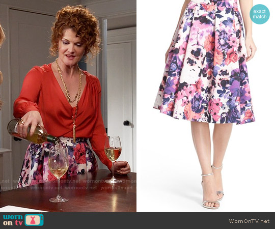 Eliza J Floral Print Faille Midi Skirt worn by Evelyn Powell on Devious Maids
