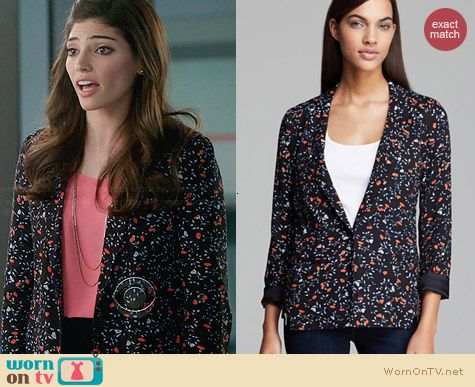 Ella Moss Posy Floral Blazer worn by Amanda Setton on The Crazy Ones