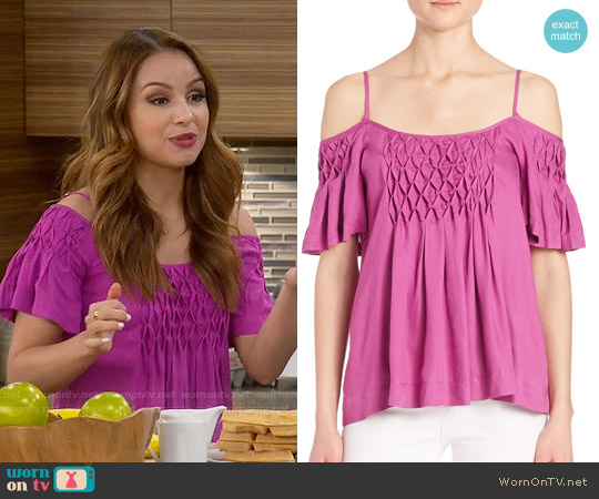 worn by Sofia Rodriguez (Aimee Carrero) on Young & Hungry