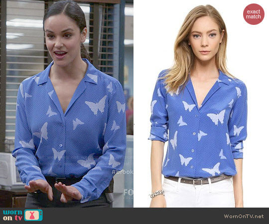 Equipment Adalyn Blouse in Amparo Blue worn by Melissa Fumero on Brooklyn Nine-Nine