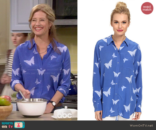 Equipment 'Daddy' Butterfly Button Up worn by Nancy Travis on Last Man Standing