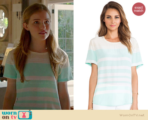 Equipment Riley Tee in Bleached Sand and Iced Green worn by Willa Fitzgerald on Royal Pains