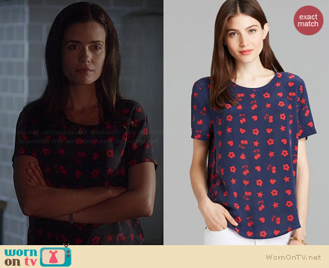 Equipment Riley Top in Peacoat / Strawberry Red worn by Torrey DeVitto on PLL