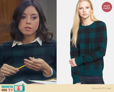 Equipment Shane Sweater in Pine and Black worn by Aubrey Plaza on Parks & Rec