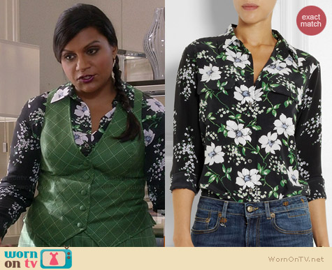 Equipment Slim Signature Floral Blouse worn by Mindy Kaling on The Mindy Project