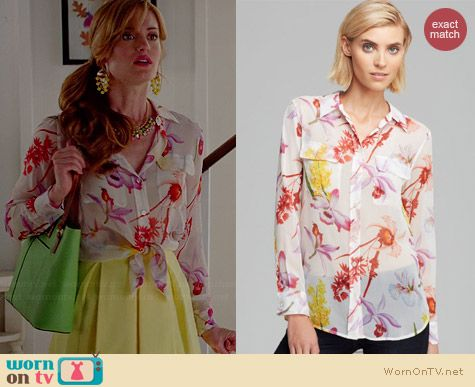 Equipment Silk Shirt in Endangered Floral Print worn by Brooke D'Orsay on Royal Pains
