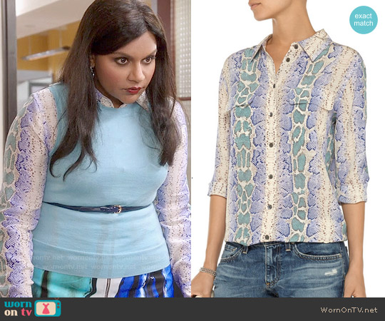 Equipment Slim Signature Snake Print Silk Shirt worn by Mindy Kaling on The Mindy Project