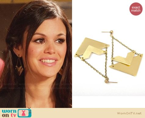 Verha Triangle Earrings worn by Rachel Bilson on Hart of Dixie