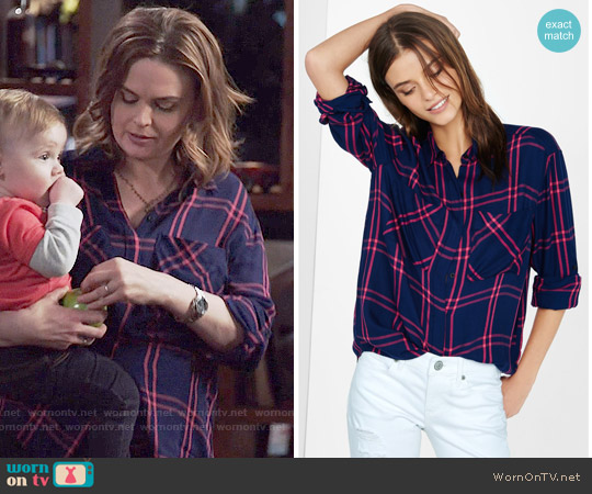 Express Plaid Oversized Shirt in Navy Blue / Pink worn by Emily Deschanel on Bones