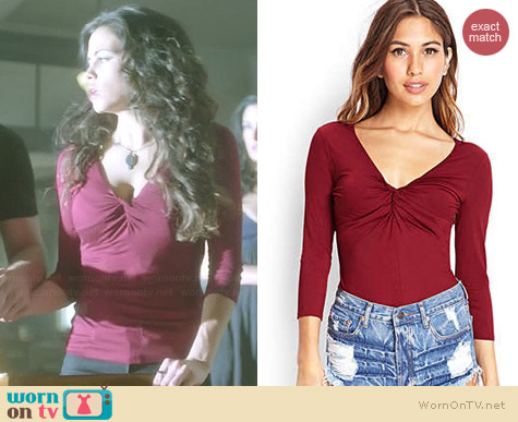 Forever 21 Cutout Back Knotted Top worn by Jenna Dewan Tatum on Witches of East End