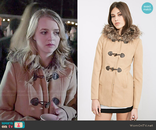 Forever 21 Hooded Toggle Topcoat worn by Anna Jacoby-Heron on Finding Carter