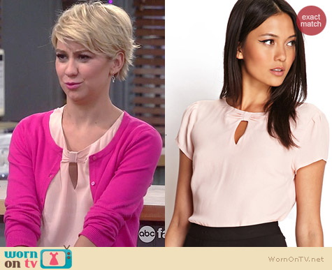 Forever 21 Keyhole Crepe Woven Top worn by Chelsea Kane on Baby Daddy