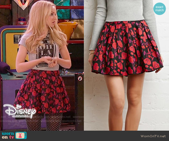 Forever 21 Pleated Floral Skirt worn by Dove Cameron on Liv & Maddie