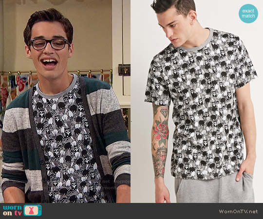Forever 21 Raccoon Print Tee worn by Joey Bragg on Liv & Maddie