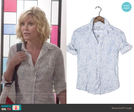 Frank & Eileen Floral Linen Shirt worn by Julie Bowen on Modern Family