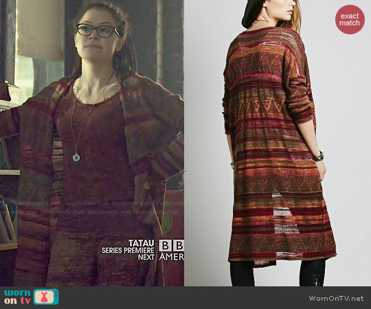 Free People Cocoon Fine Gauge Pattern Cardi worn by Tatiana Maslany on Orphan Black
