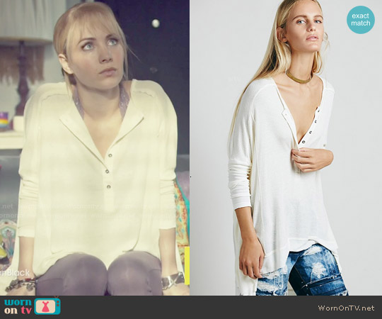 Free People Benedict Henley in Cream worn by Ksenia Solo on Orphan Black
