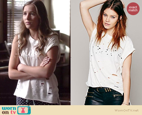 Free People Destroyed Muscle Tee worn by Lennon Stella on Nashville