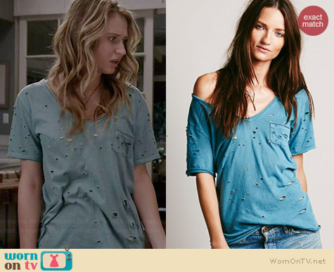Free People Destroyed Tommy Tee in Spruce worn by Rita Volk on Faking It