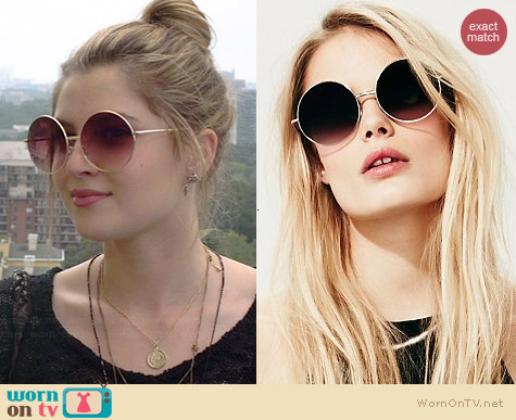 Free People Goodnight Moon Sunglasses worn by Zoe Levin on Red Band Society