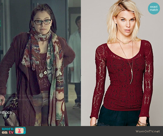 Free People Intimately Long Sleeve Vneck Seamless Top worn by Tatiana Maslany on Orphan Black