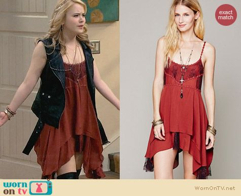Free People Pieced Lace Tunic Slip in Cayenne worn by Taylor Spietler on Melissa & Joey