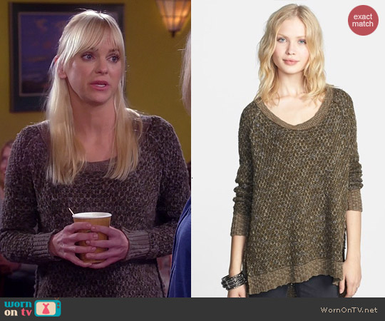 Free People Po Jeepster Sweater worn by Anna Faris on Mom