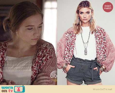 Free People Printed Balloon Sleeve Soft Jacket worn by Lennon Stella on Nashville
