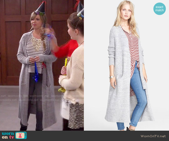 worn by Kristin Baxter (Amanda Fuller) on Last Man Standing