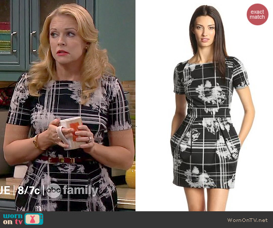 French Connection Wilderness Check Dress worn by Melissa Joan Hart on Melissa & Joey