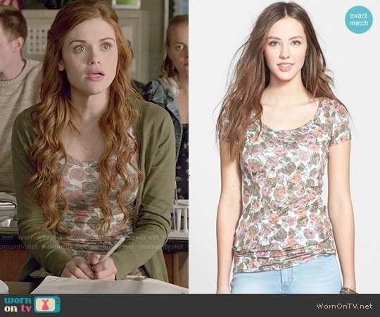 Frenchi Cap Sleeve Tee in Egret Hazy Floral worn by Holland Roden on Teen Wolf