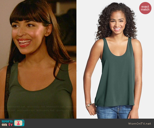 Frenchi Woven Swing Tank in Green Bistro worn by Hannah Simone on New Girl
