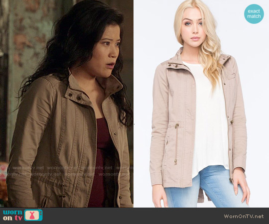Full Tilt Hooded Twill Anorak Jacket in Khaki worn by Jadyn Wong on Scorpion