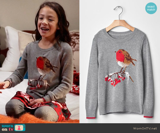 GAP Girls Intarsia Winter Bird Sweater worn by Aubrey Anderson-Emmons on Modern Family