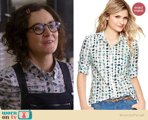 Gap Shrunken Boyfriend Shirt in Lady Bugs worn by Sara Gilbert on Bad Teacher