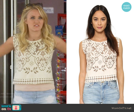 Giada Forte Embroidered Floral Top worn by Emily Osment on Young & Hungry