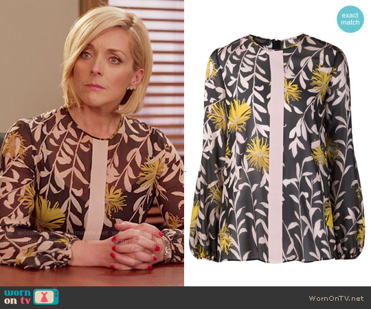 Giambattista Valli Blouse Imprimée à Fleurs worn by Jane Krakowski on Unbreakable Kimmy Schmidt