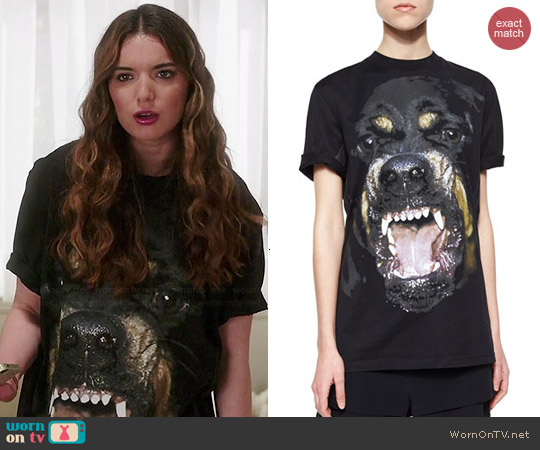 Givenchy Rottweiler Tee worn by Dylan Gelula on Unbreakable Kimmy Schmidt