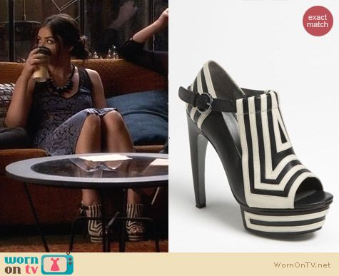 Grey City McKay Pump worn by Lucy Hale on PLL