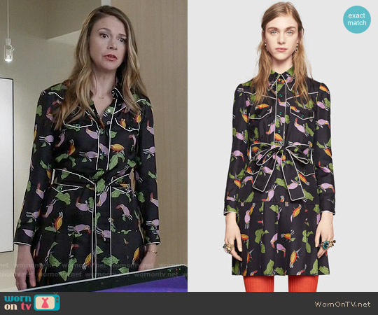 Gucci Toucan Print Silk Shirtdress worn by Sutton Foster on Younger