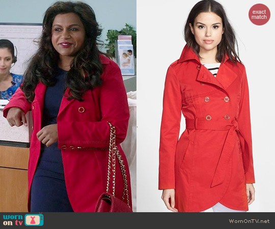 Guess Cutaway Front Trench worn by Mindy Kaling on The Mindy Project