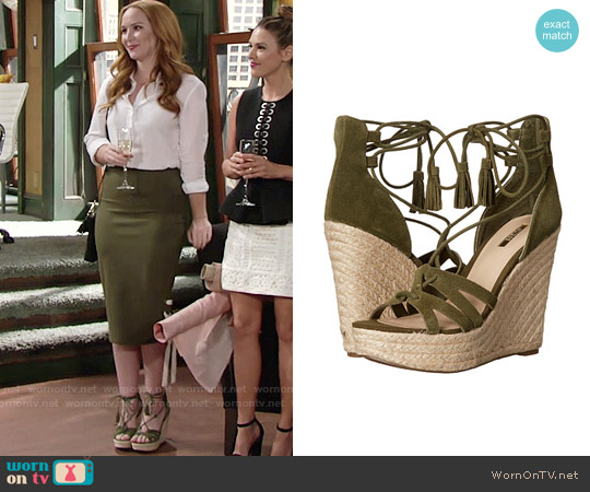 Guess Ollina Wedges in Green Suede worn by Mariah Copeland on The Young & the Restless