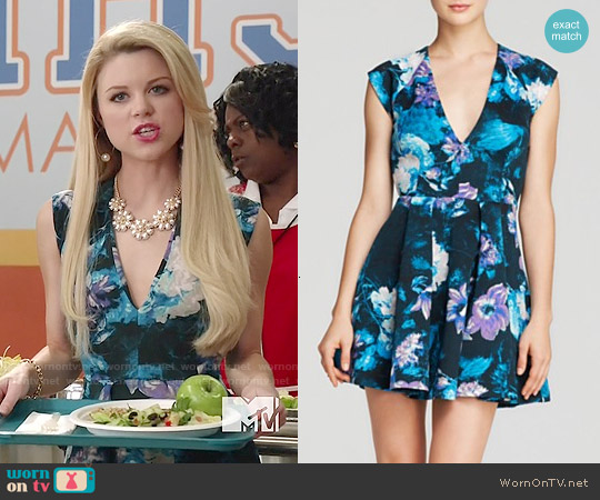 Guess Floral Scuba Dress worn by Bailey Buntain on Faking It