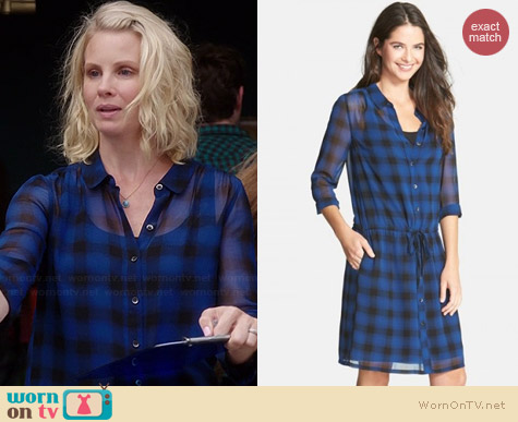 Halogen Plaid Sheer Drawstring Shirtdress worn by Monica Potter on Parenthood