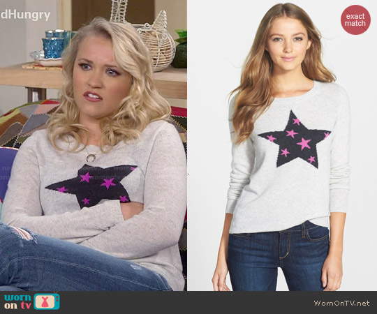 Halogen Wool & Cashmere Sweater in Grey Purple Star Pattern worn by Emily Osment on Young & Hungry