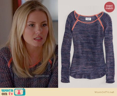 Happy Endings Fashion: American Eagle open stitch pullover worn by Elisha Cuthbert
