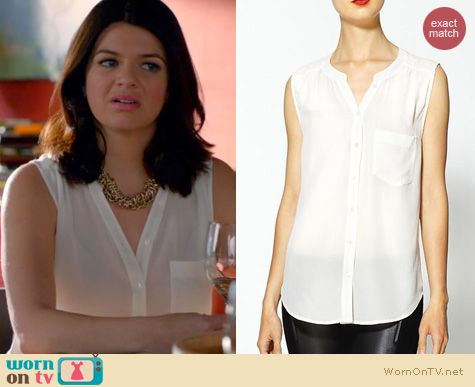 Happy Endings Fashion: Joie Tasminia Blouse worn by Casey Wilson