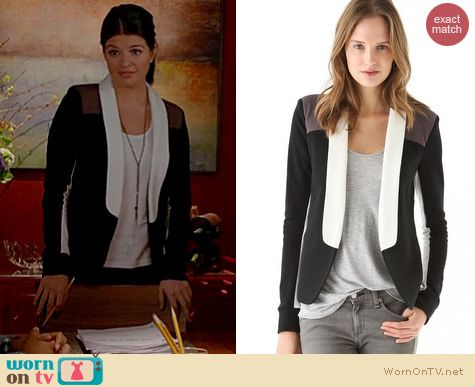 Happy Endings Fashion: Pencey Standard Warrior Blazer worn by Casey Wilson