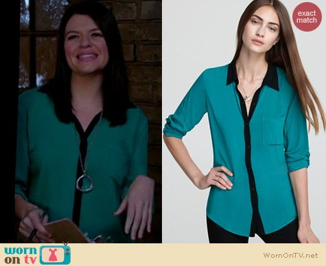 Happy Endings Fashion: Splendid Contrast collar shirt worn by Casey Wilson
